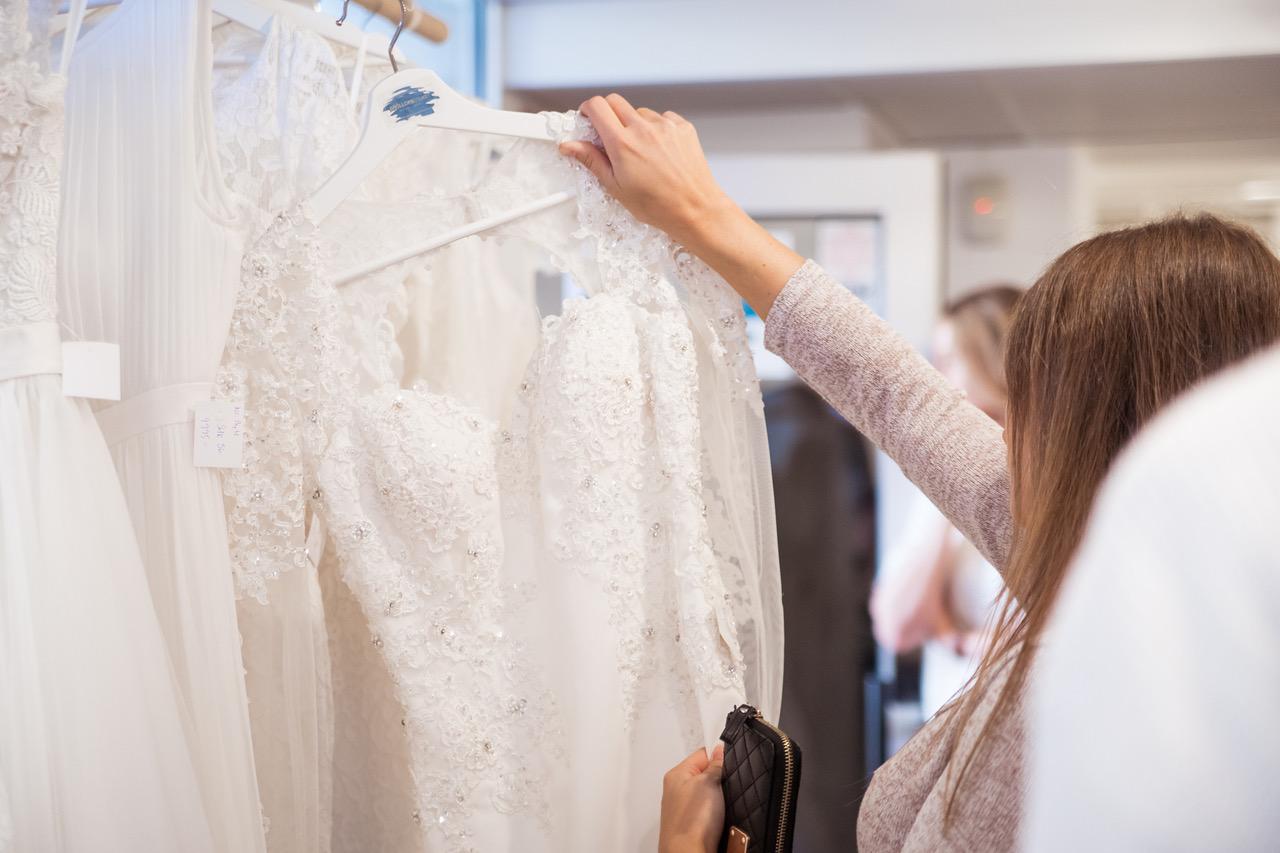 Begagnade brudklänningar